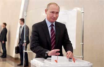بوتين يدلي بصوته في الانتخابات الرئاسية الروسية