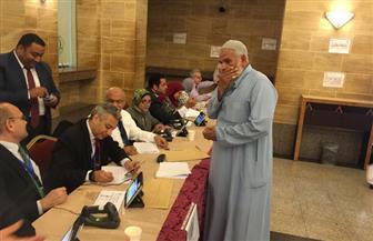 استمرار توافد الناخبين بكثافة على سفارة وقنصلية مصر بجدة والرياض | صور