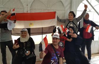 توافد كبار السن وذوي الاحتياجات الخاصة على اللجان بالكويت وقطر | صور