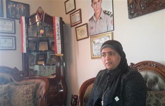والدة شهيد سيناء في عيد الأم: هديتي انتصارنا على الإرهاب في سيناء.. وهذه ذكرياتي مع ابني الشهيد | صور وفيديو