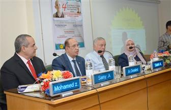 رئيس جامعة أسيوط يطالب بدعم مستشفى 2020 لعلاج الأورام   صور