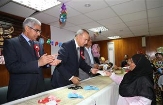 محافظ قنا ورئيس الجامعة  يشهدان احتفال مستشفى قنا العام بعيد الأم | صور