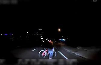 الشرطة الأمريكية تبث فيديو لحادث صدمت فيه سيارة ذاتية القيادة امرأة