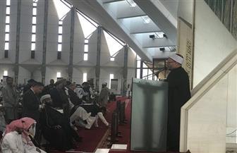 المفتي يلقي خطبة الجمعة في أكبر مساجد العاصمة الباكستانية  صور وفيديو
