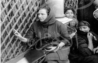 شاهد أمينة رزق في ضريح السيدة زينب وداخل سينما فامينا قبل احتراقها | خاص