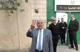 نقيب الزراعيين يدلي بصوته في الانتخابات الرئاسية بمدرسة عاطف بركات بالمنيل
