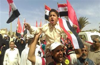 الموسيقى العسكرية تلهب حماس المواطنين للإدلاء بأصواتهم بالسويس