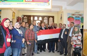 نقيب المعلمين يتفقد سير الانتخابات بمدرسة أشتوم الجميل ببورسعيد
