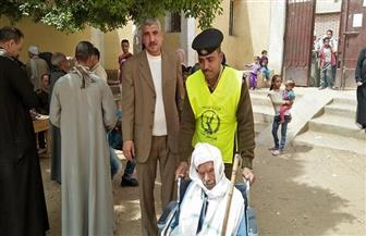 إقبال من المواطنين على الإدلاء بأصواتهم في نزلة باقور | صور