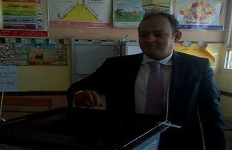 رئيس لجنة الصناعة بالنواب يدلي بصوته في انتخابات الرئاسة | صور