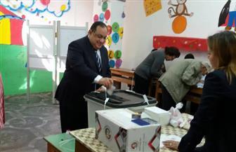 رئيس جامعة حلوان يدلي بصوته في الانتخابات الرئاسية | صور