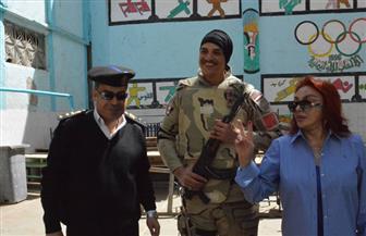 نبيلة عبيد ولبلبة ومحمد ثروت يدلون بأصواتهم في الانتخابات الرئاسية بالدقي | صور