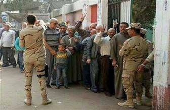 توافد المواطنين على اللجان الانتخابية بحلوان | صور