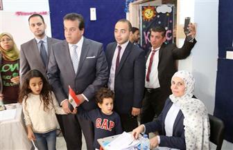 وزير التعليم العالي يدلي بصوته في الانتخابات.. ويدعو المجتمع الأكاديمي الإدلاء بأصواتهم|صور