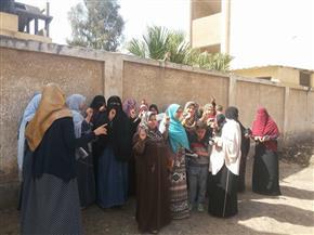 """إقبال ملحوظ من السيدات على التصويت بالانتخابات الرئاسية في"""" سلامون"""" ببسيون"""