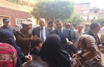 محافظ أسيوط ومدير الأمن يتفقدان لجنة مدرسة منقباد الثانوية   صور