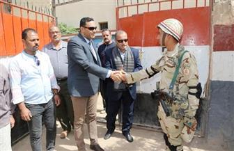 السكرتير العام لمحافظة المنوفية يتفقد عددا من اللجان الانتخابية | صور