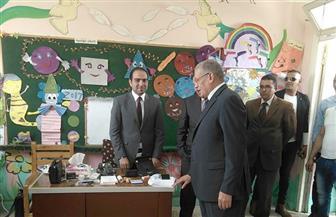 رئيس اللجنة العامة بالبحر الأحمر يتفقد اللجان الانتخابية بالغردقة | صور