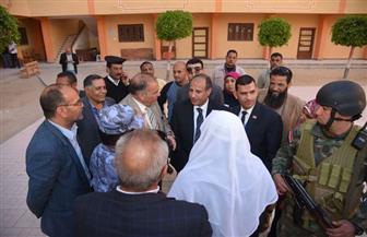 محافظ الإسكندرية يتفقد سير العملية الانتخابية بالمعهد الأزهري | صور
