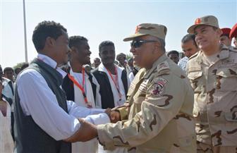 قائد المنطقة الجنوبية العسكرية يتابع سير الانتخابات بحلايب وشلاتين وأبو رماد   صور