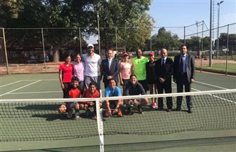 سفير مصر بجنوب إفريقيا يلتقي بعثة منتخب التنس المصري تحت 14 عاما
