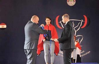 سارة سمير تحرز الميدالية الذهبية في البطولة الإفريقية للناشئين والشباب لرفع الأثقال | صور