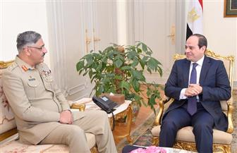 الرئيس السيسي يستقبل رئيس الأركان الباكستانى بحضور وزير الدفاع | صور
