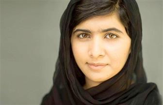 """بعد 6 سنوات من محاولة اغتيالها ..الدموع تغالب """"ملاله"""" بعد رجوعها لباكستان لأول مرة"""