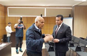 وزير التعليم العالي يتفقد مؤسسة مجدي يعقوب بأسوان | صور