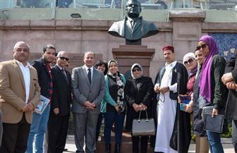 محافظ الإسكندرية يزيح الستار عن تمثال العالم أحمد زويل تخليدا لذكراه | صور