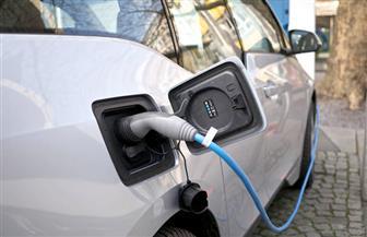 """لأول مرة.. """"التجارة"""" تسمح  باستيراد السيارات الكهربائية المستعملة"""
