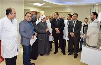 رئيس جامعة المنوفية ومفتي الديار المصرية يتفقدان معهد الكبد القومي بالجامعة