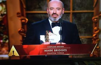 مارك بريدجيز يفوز بأوسكار أفضل تصميم أزياء عن فيلم فانتوم ثريد
