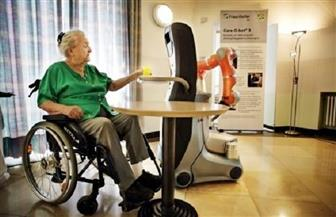 الإنسان الآلي راعيا للمسنين في اليابان