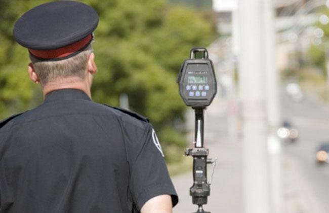 حكم قضائي بإغلاق رادارات قياس السرعة على الطرق السريعة في إيطاليا -