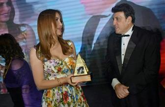 نسرين طافش تمنح جائزة باسم السندريلا