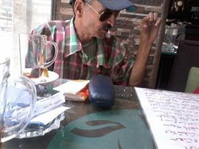 محافظ قنا يستقبل الشاعر الذي كتب بدمائه قصائد عن نصر أكتوبر   صور