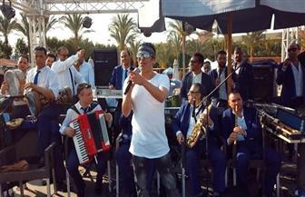 سعد الصغير يشعل حفل الطريق الصحراوي في ختام حفلات شم النسيم   صور