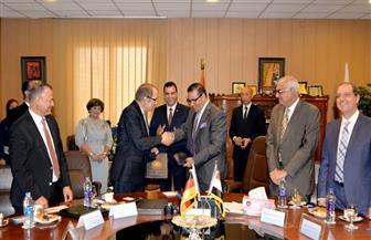 رئيس جامعة المنصورة يجدد اتفاقية تعاون مع جامعة هانوفر الألمانية للطب البيطرى