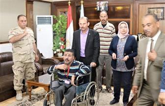 محافظ كفرالشيخ يصرف معاشا شهريا لحالتين ونقل مريضة للقاهرة لعلاجها من الحروق  صور