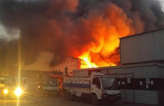 السيطرة على حريق بسوق العبور