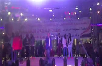 مئات المواطنين بشبرا يحتفلون بفوز السيسي بفترة رئاسية ثانية | فيديو