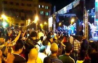 محمود الليثي يحتفل مع أهالي عابدين بفوز الرئيس السيسي بفترة ثانية | فيديو