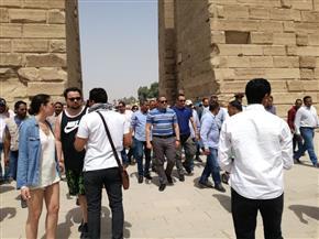 وزير الآثار يتفقد معابد الكرنك ويتابع أعمال المحور الجنوبى |صور