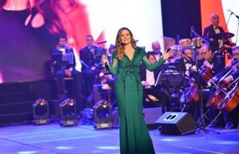 كارول سماحة توجه رسالة للشعب السوري في حفلها بالمسرح الأوليمبي | صور