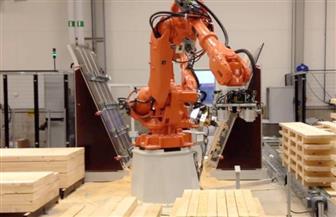 """الروبوت النجار.. خدمة جديدة يقدمها """"الأصدقاء الآليون"""""""