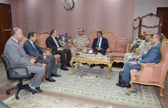 محافظ بني سويف يستقبل رئيس أركان قوات الدفاع الشعبي والعسكري | صور