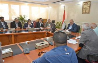 محافظ مطروح يشدد على حسن التعامل مع المواطنين المترددين على مستشفيات المحافظة| صور