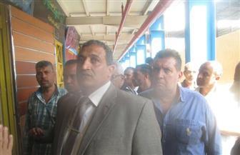 """نائب محافظ القاهرة يتابع تجهيزات سوق """"الزاوية"""" تمهيدا للافتتاح التجريبي"""
