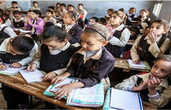 مفاجأة.. طلاب نظام التعليم الجديد يدرسون 4 مواد في كتاب واحد ولن يمتحنوا طوال 8 سنوات| تقرير